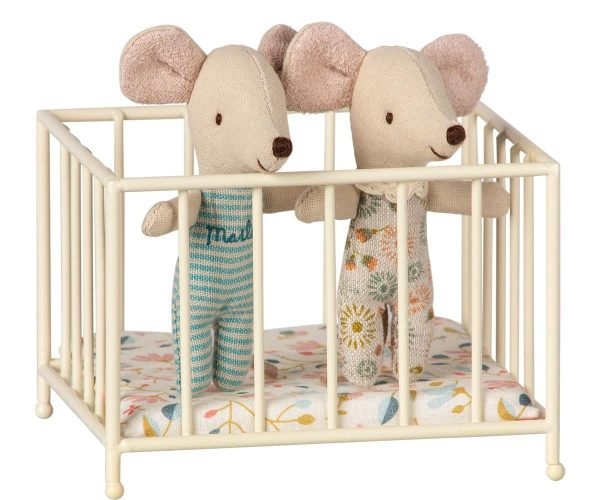 Maileg Play Pen with Babies