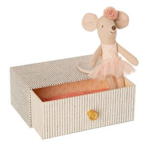 Maileg Dancing Mouse in Daybed – Little Sister