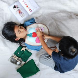 Plan Toys Surgeon Set